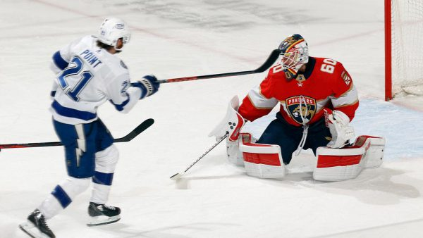 Panthers shut out Lightning, clinch No. 2 seed in Central