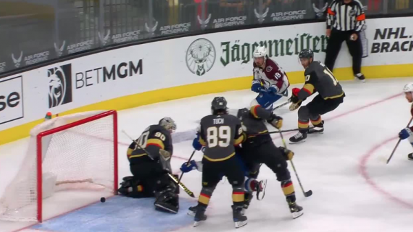 Avalanche gain on Golden Knights in West race